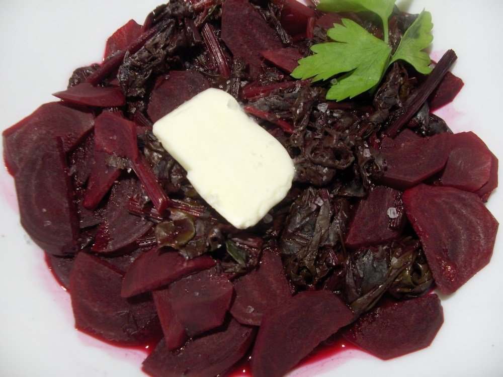 Baby Beets with Greens and Orange Juice (1/3)
